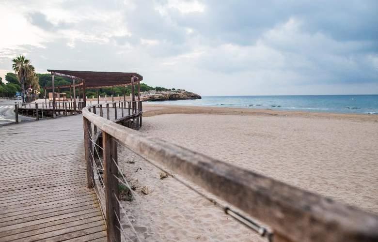 Nuria - Beach - 13