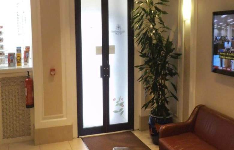 Astor Court (Oxford Circus) - General - 9
