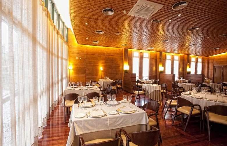 Carris Alfonso IX - Restaurant - 23
