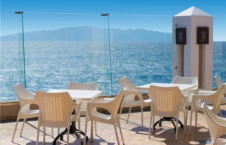 Iberostar Bouganville Playa - Terrace - 54