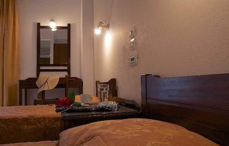 Blue Island Hotel - Room - 2