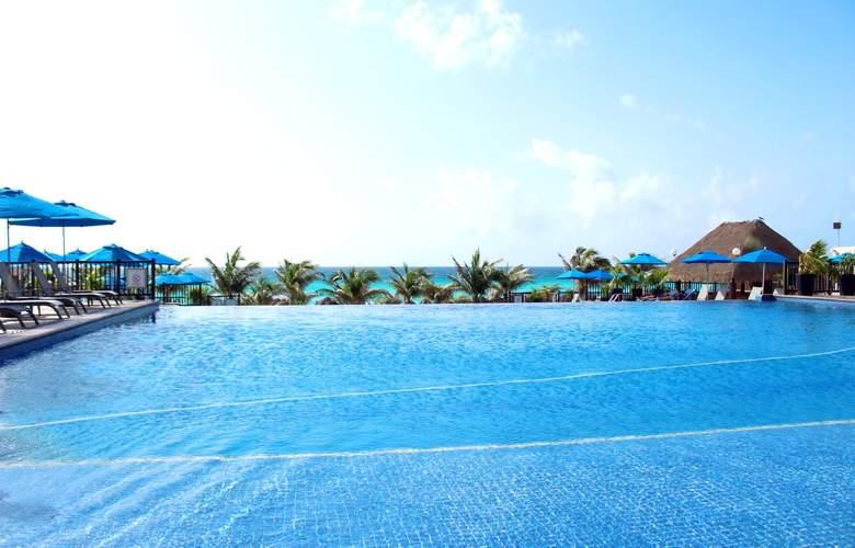 Seadust Cancún Family Resort - Pool - 26