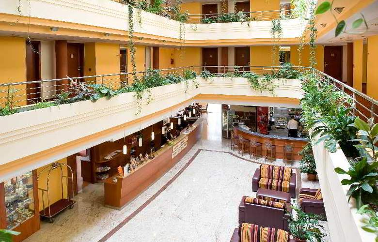 Airport Hotel Budapest - General - 6