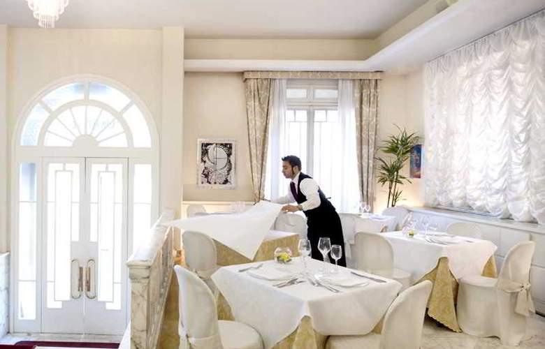 Esplanade - Restaurant - 10