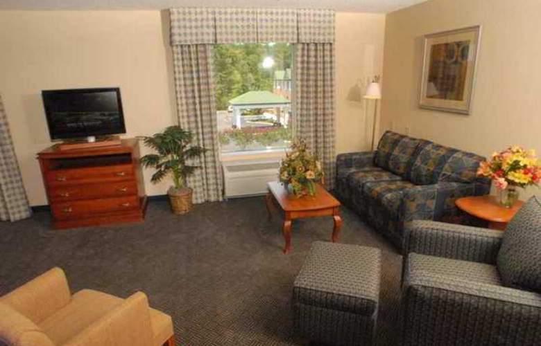 Hampton Inn Gloucester - Hotel - 3