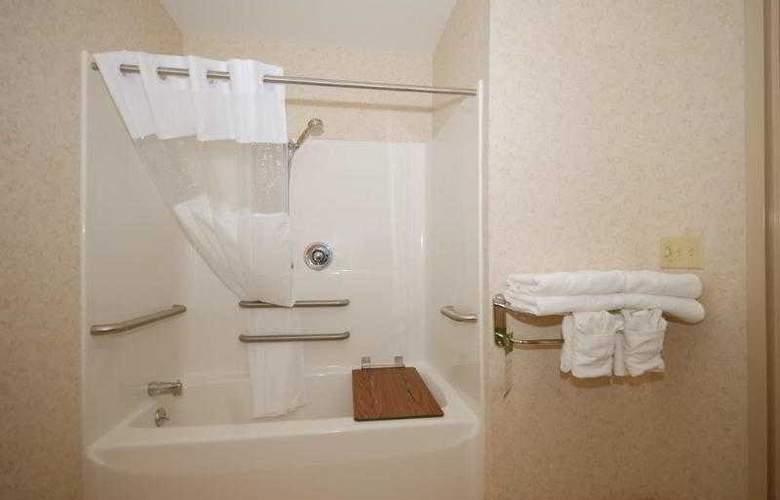 Berkshire Hills Inn & Suites - Hotel - 48