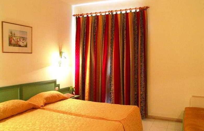 PrimaSol Omar Khayam Resort & Aquapark - Room - 1