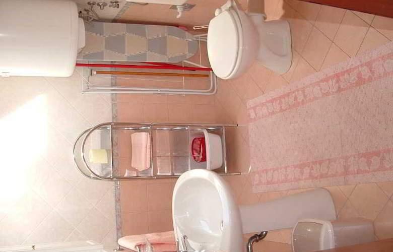 Apartmani Ivanka - Room - 14