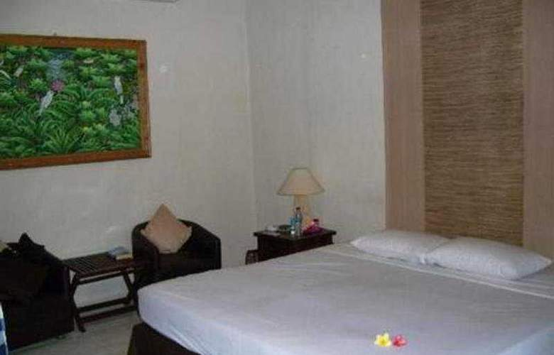 Sarinande Beach Inn - Room - 2