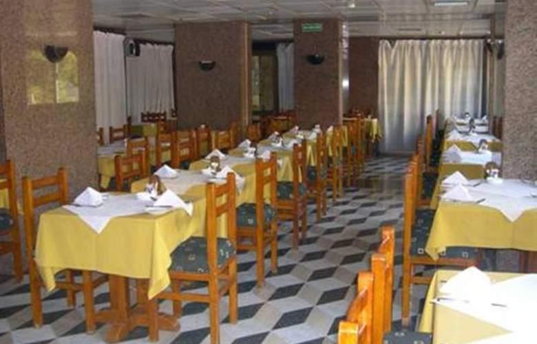 St Joseph - Restaurant - 10