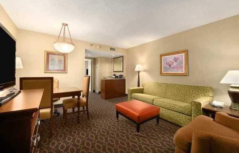 Embassy Suites Atlanta - Airport - Hotel - 6