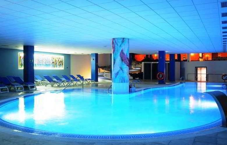 La Quinta Park Suites - Pool - 18