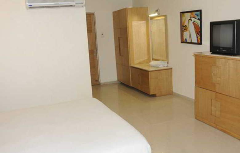 Neelkanth Blues Ashram Road - Room - 5