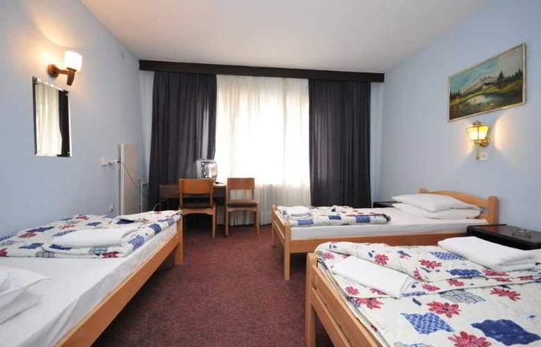 Nacional - Room - 6