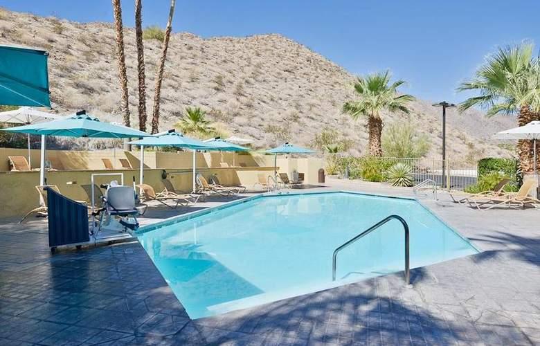 Best Western Inn at Palm Springs - Pool - 112