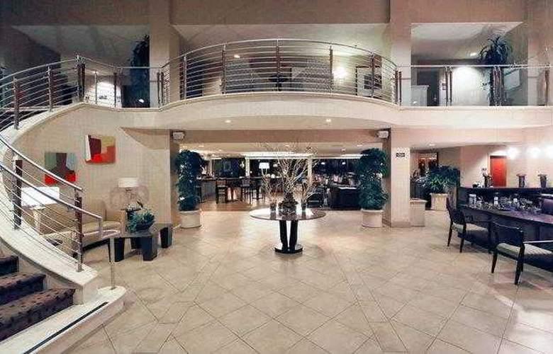 Best Western Plus Bayside Hotel - Hotel - 2