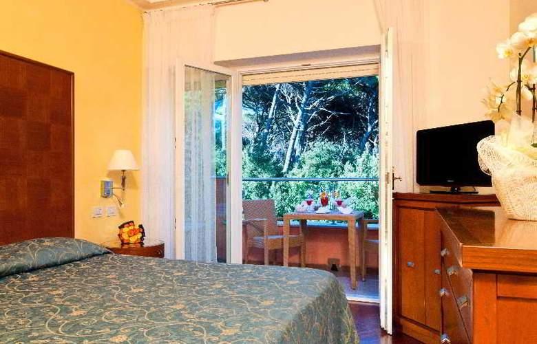 Versilia Palace - Room - 9