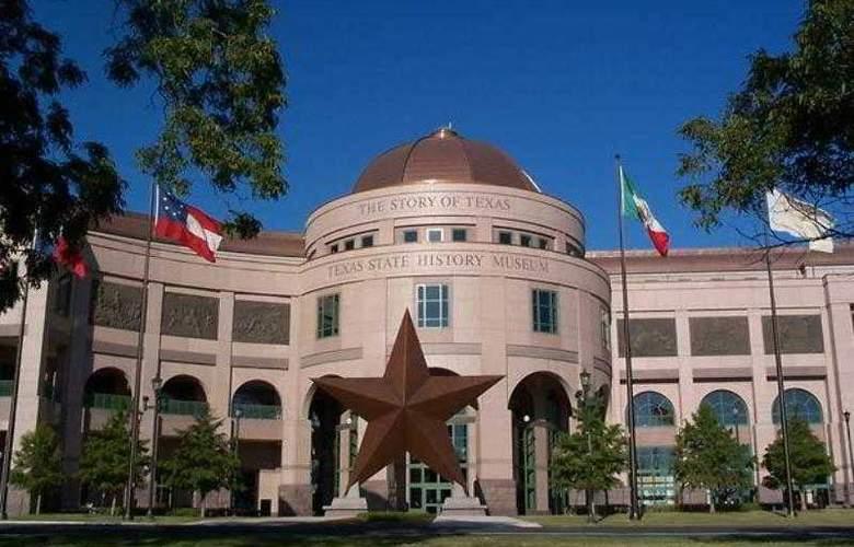 Courtyard Austin Northwest/Arboretum - Hotel - 1