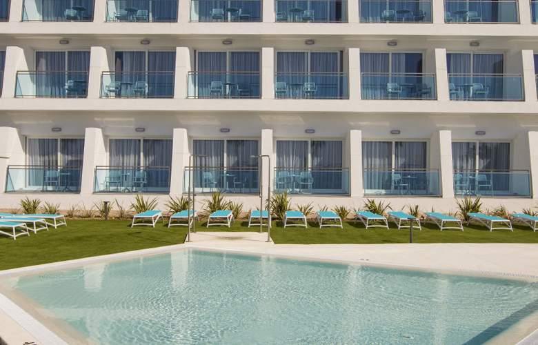 Grand Luxor - Hotel - 15