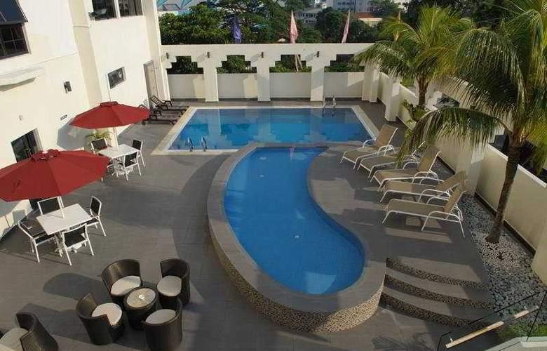 Naza Talyya Hotel Johor Bahru - Pool - 3