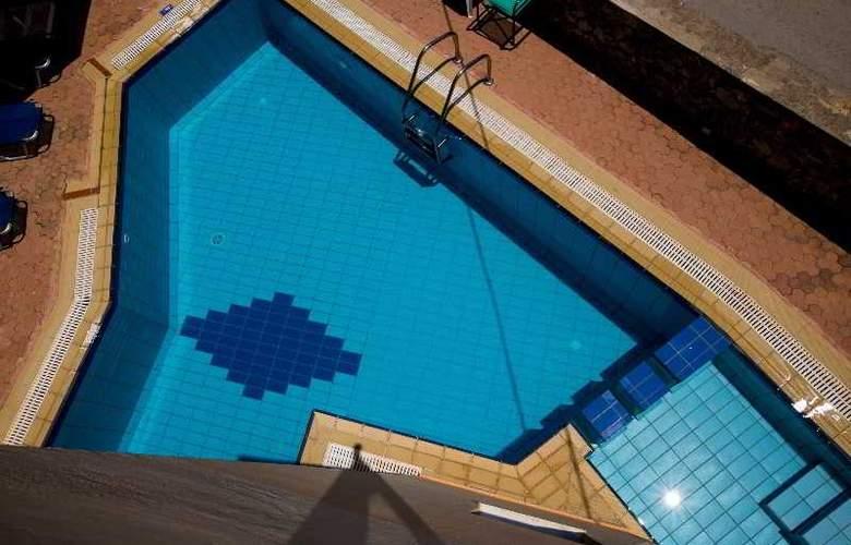 Elotia Hotel - Terrace - 5