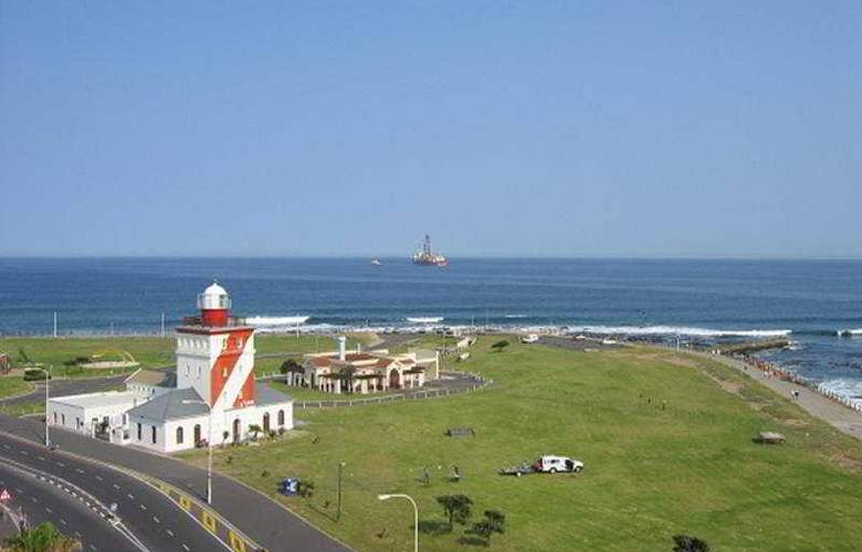 Mouille Point Village - Beach - 9