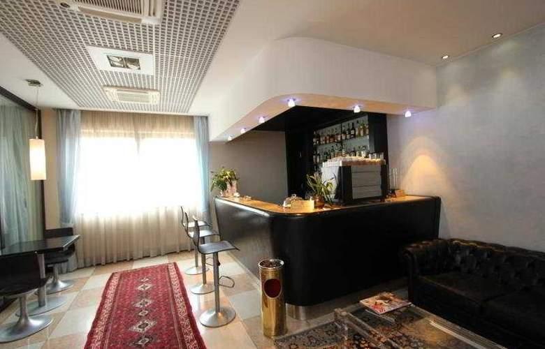 Montresor Palace - Bar - 6