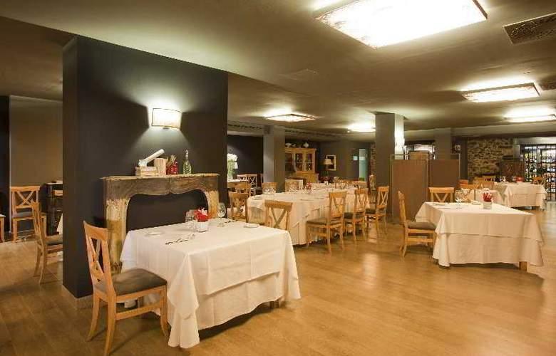 Hotel Restaurante Ibaia - Restaurant - 9