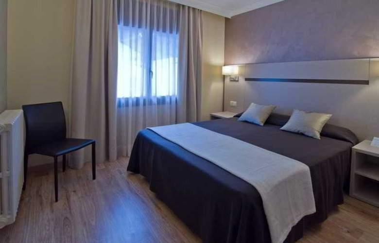 Cosmos Hotel - Room - 13