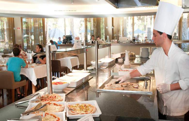 Nau Salgados Palm Village Apartments & Suites - Restaurant - 14