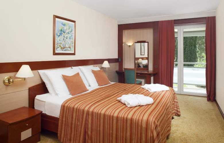 Bluesun Hotel Elaphusa - Room - 3
