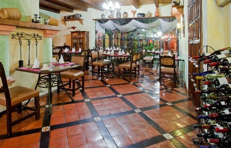 Holiday Inn San Cristobal - Restaurant - 2