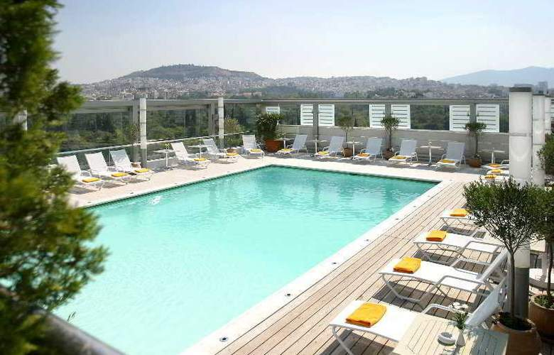 Radisson Blu Park Hotel Athens - Pool - 3