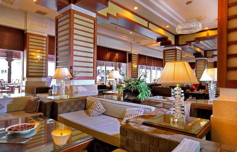 Crystal De Luxe Resort & Spa - Bar - 17