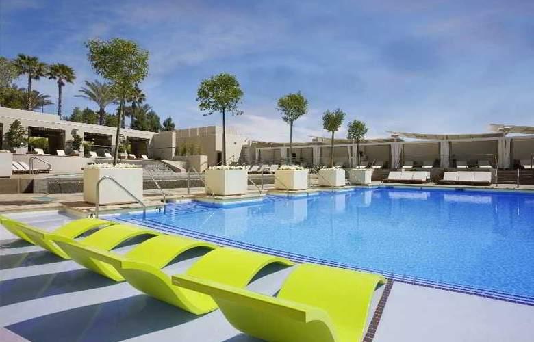 MGM Grand Hotel & Casino - Pool - 5