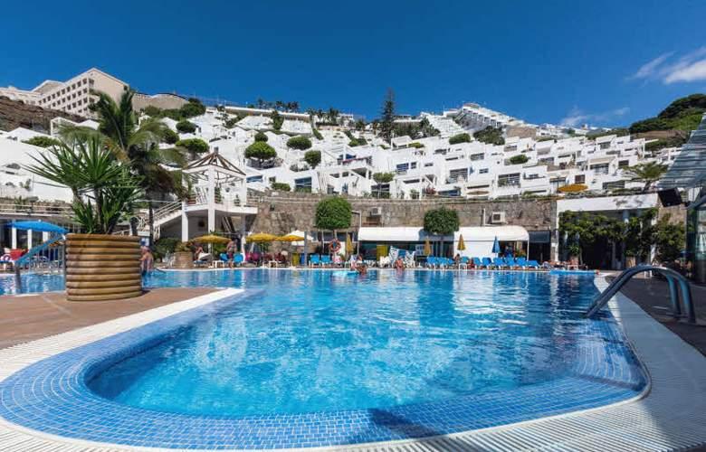 Apartamentos Bahia Blanca - Pool - 11