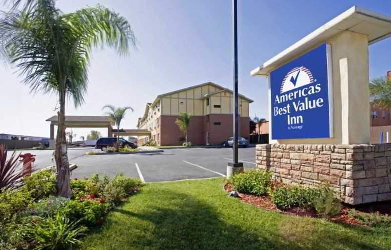 Americas Best Value Inn - Hayward - Hotel - 5