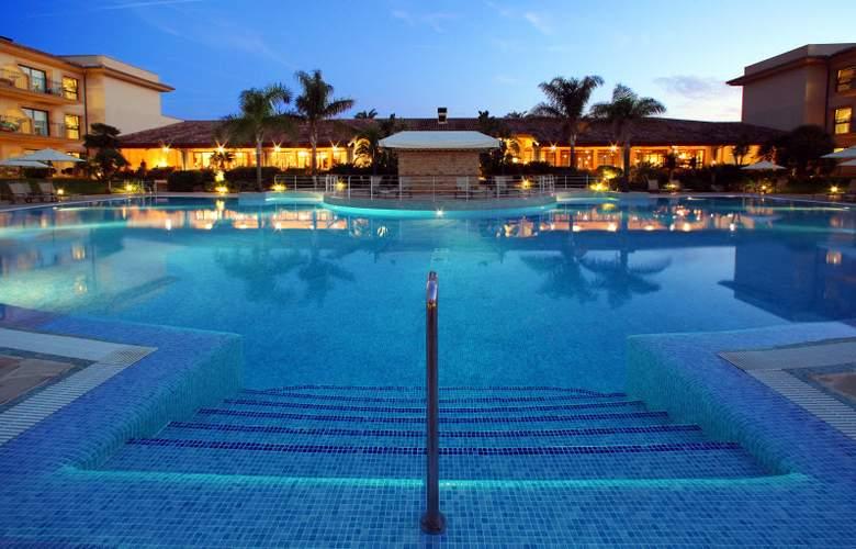 PortBlue LaQuinta Hotel & Spa - Pool - 16