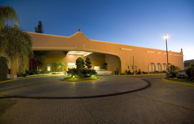 Fiesta Inn Celaya - Hotel - 0