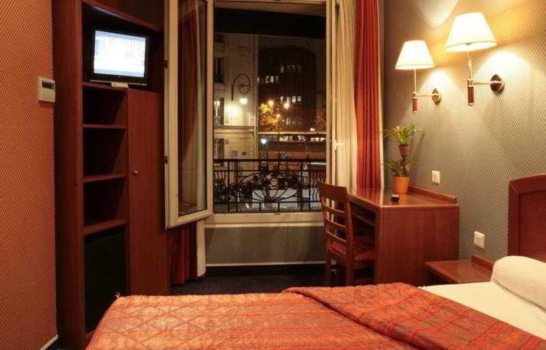 Charlemagne - Room - 2