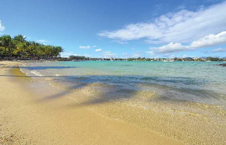Mauricia Beachcomber Resort & Spa - Beach - 33