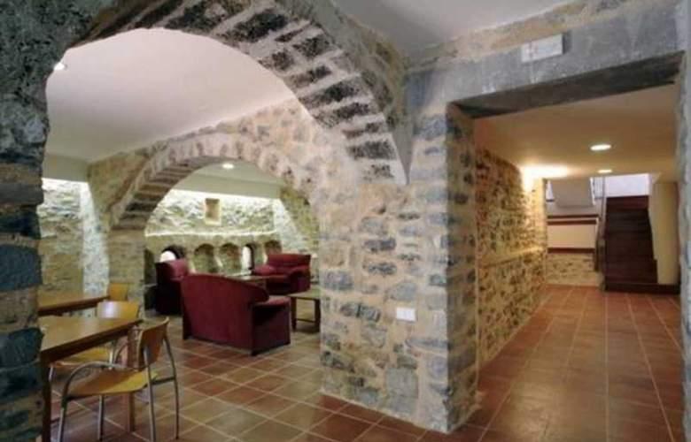 Ligüerre Enoturismo Broto Y Sebastian - Hotel - 1