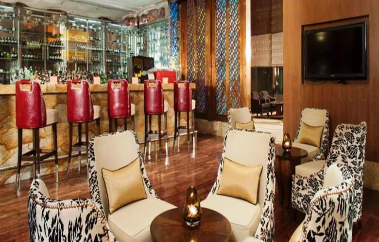 Crowne Plaza New Delhi Okhla - Bar - 4