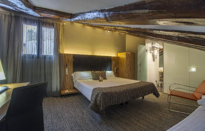 Hotel Petit Palace Plaza del Carmen - Room - 16