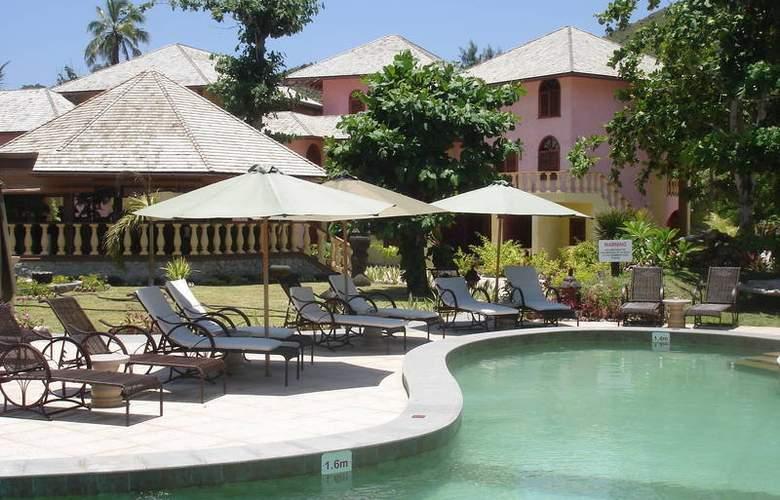 Castello Beach Hotel - Pool - 2