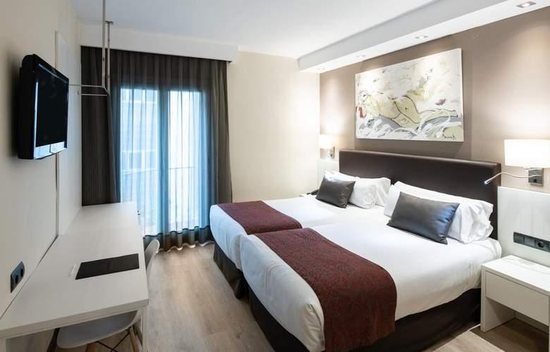 Catalonia Castellnou - Room - 1