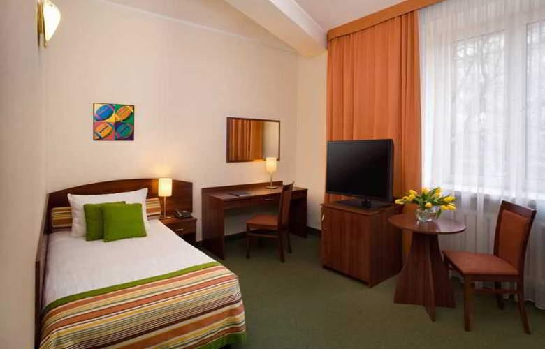 Mdm - Room - 8