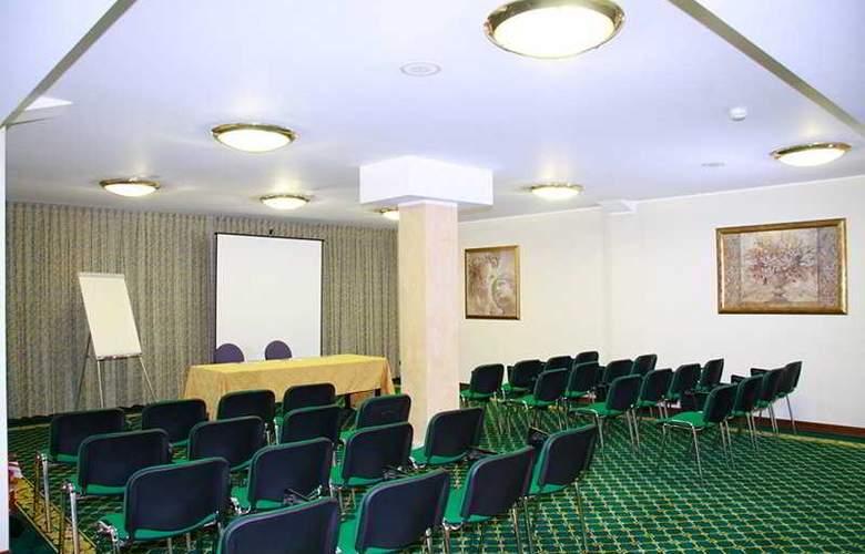 Alga - Conference - 3