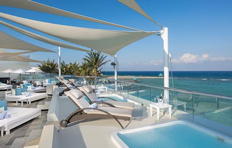 Sunscape Akumal Beach Resort & SPA - Terrace - 7