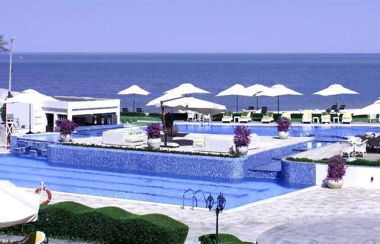 The Regency Kuwait - Pool - 17